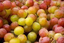 Free Bulk Of Grapes Royalty Free Stock Image - 17383446