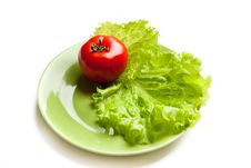 Free Tomato And Lettuce On A Dish Royalty Free Stock Photo - 17383955