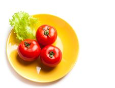 Free Tomato And Lettuce On A Dish Royalty Free Stock Image - 17383976