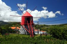 Free Old Windmill On Faial Island Stock Photography - 17384142