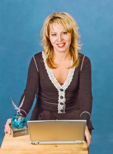 Free Businesswoman With  Cup And Laptop Royalty Free Stock Image - 17386256