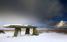 Free Lanyon Quoit In The Snow. Royalty Free Stock Photography - 17390057