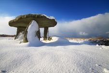 Free Lanyon Quoit In The Snow. Royalty Free Stock Photo - 17390105