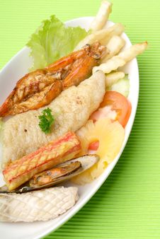Free Seafood Platter Royalty Free Stock Photography - 17393747