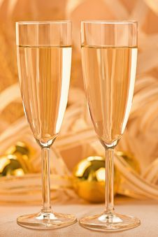 Free A Glass Of Champagne Royalty Free Stock Photos - 17394068