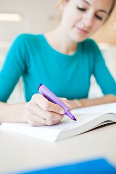 College Student In A Library Royalty Free Stock Photos