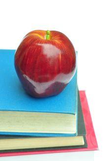 Free Apple On Books Royalty Free Stock Photo - 17399675