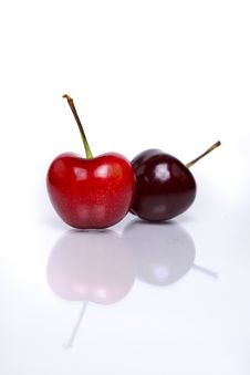 Free Two Fresh Cherries Royalty Free Stock Photos - 17399748