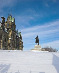 Free Monument Overlooking A Snowy Field Royalty Free Stock Photo - 1742965