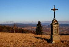 Free Crucifix On Mountains Royalty Free Stock Photos - 1749838