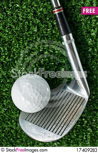 Free Golf Ball And Putter On Green Grass Stock Photos - 17409283