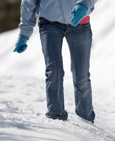 Free Woman Walking In Deep Snow Royalty Free Stock Photography - 17400737