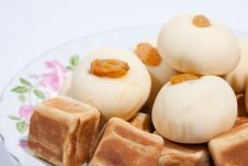 Free Thai Dessert And Snack Moji Dice Royalty Free Stock Photography - 17402187