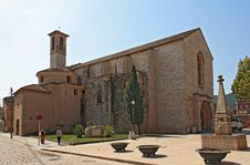Free Old Romanesque Church Royalty Free Stock Photography - 17402897