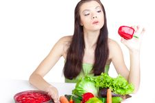 Free Young Girl With  Vegetables Royalty Free Stock Images - 17404959