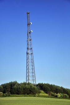 Free Radio Tower With Satellite Dish Royalty Free Stock Photography - 17407207