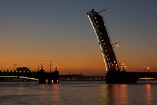 Free Leaf Bridge At Morning Royalty Free Stock Photo - 17412265