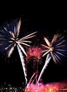 Free Beautiful Fireworks Royalty Free Stock Images - 17417379
