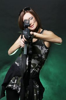 Free Attractive And Sexy Spy Woman With Assault Rifle Royalty Free Stock Image - 17427816