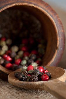 Free Wooden Pestel And Spoon With Red, Black, Green, Wh Royalty Free Stock Photography - 17428907