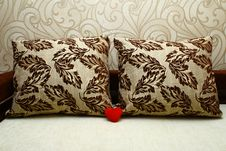 Free Red Heart And Pillows Royalty Free Stock Photo - 17428975