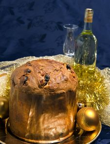Free Panettone With Wine And Christmas Decorations Royalty Free Stock Photography - 17429247