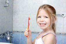 Free Little Girl With Toothbrush Royalty Free Stock Photos - 17431908