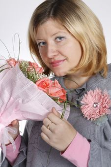 Free The Woman With A Bunch Of Flowers Stock Photos - 17434383
