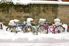Free Bicycles In Snow Royalty Free Stock Photos - 17437588
