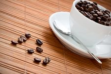 Free Cup With Coffee Beans Royalty Free Stock Photography - 17439377