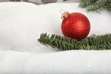 Free Xmas Bauble Royalty Free Stock Image - 17444506