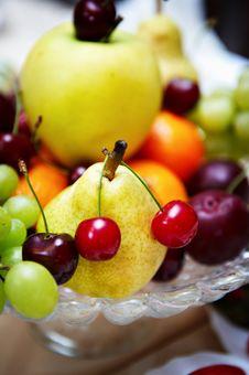 Free Fresh Fruit On A Festive Platter Stock Images - 17445134
