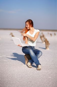 Free Girl With Notebook Stock Photography - 17454132
