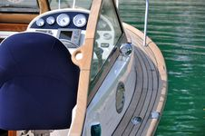 Free Control Of A Yacht Stock Photo - 17462200