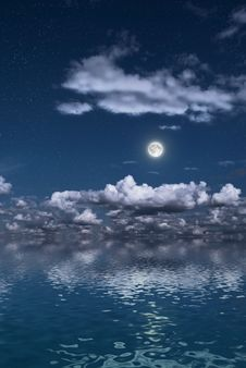 Free Moon Over A Water Surface Royalty Free Stock Images - 17463629