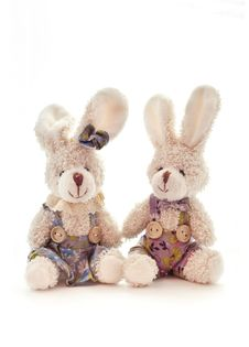 Free Two Toy Bunnies Royalty Free Stock Photo - 17467905