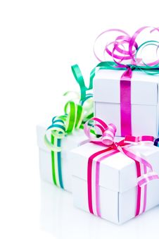 Free White Boxes With Bows Royalty Free Stock Images - 17475739