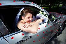 Free Beautiful Bride In A Wedding Limousine Royalty Free Stock Images - 17476639