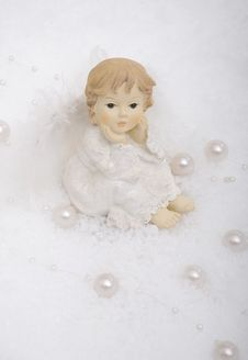 Free Angel In Snow With Pearls Royalty Free Stock Photo - 17477295