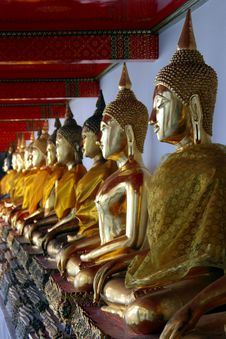 Free Row Of Buddhas Royalty Free Stock Photos - 17479458