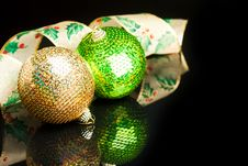 Free Christmas Decoration Ball Stock Photography - 17481922