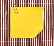 Free Yellow Note On Mat Royalty Free Stock Images - 17484079