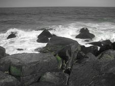 Free Rocks And Waves Stock Photography - 17486862