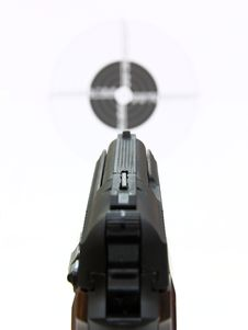 Free Pistol A Target Royalty Free Stock Photography - 17489357
