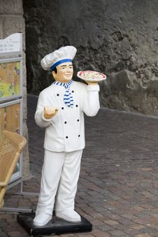 Statue Of A Pizza Maker Royalty Free Stock Images