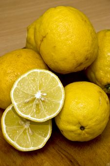 Free Lemons Royalty Free Stock Photo - 17491885