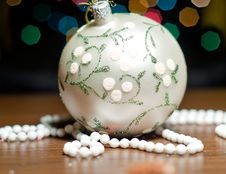 Free Christmas Ball Tree Ornament Stock Images - 17498514