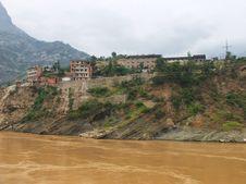 Free A City On The Yangtze River Royalty Free Stock Photography - 17498957