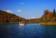 Free Mountain Lake Royalty Free Stock Photos - 1750848