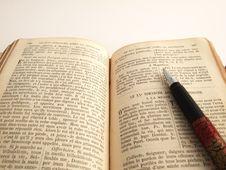 Free Book An Pen Stock Photo - 1751690